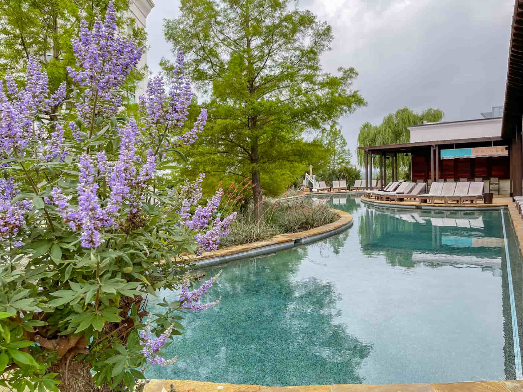 la cantera pool at the best place to stay in San Antonio